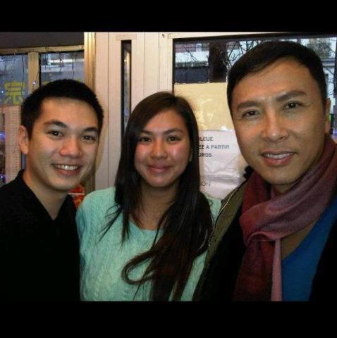 Donnie Yen, star des arts martiaux chinois, en compagnie de Marie Claire, présidente d'honneur de Versailles Taekwondo JMK, et son ami Tri.
