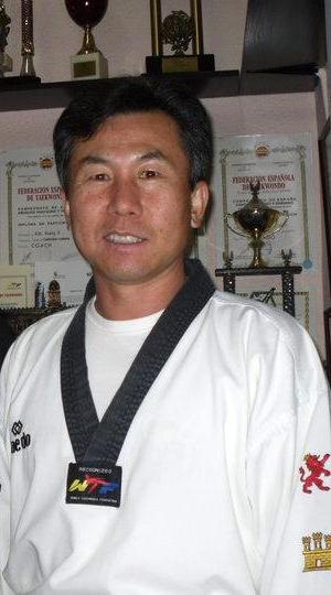 Maître Kwang Il Kim Shin